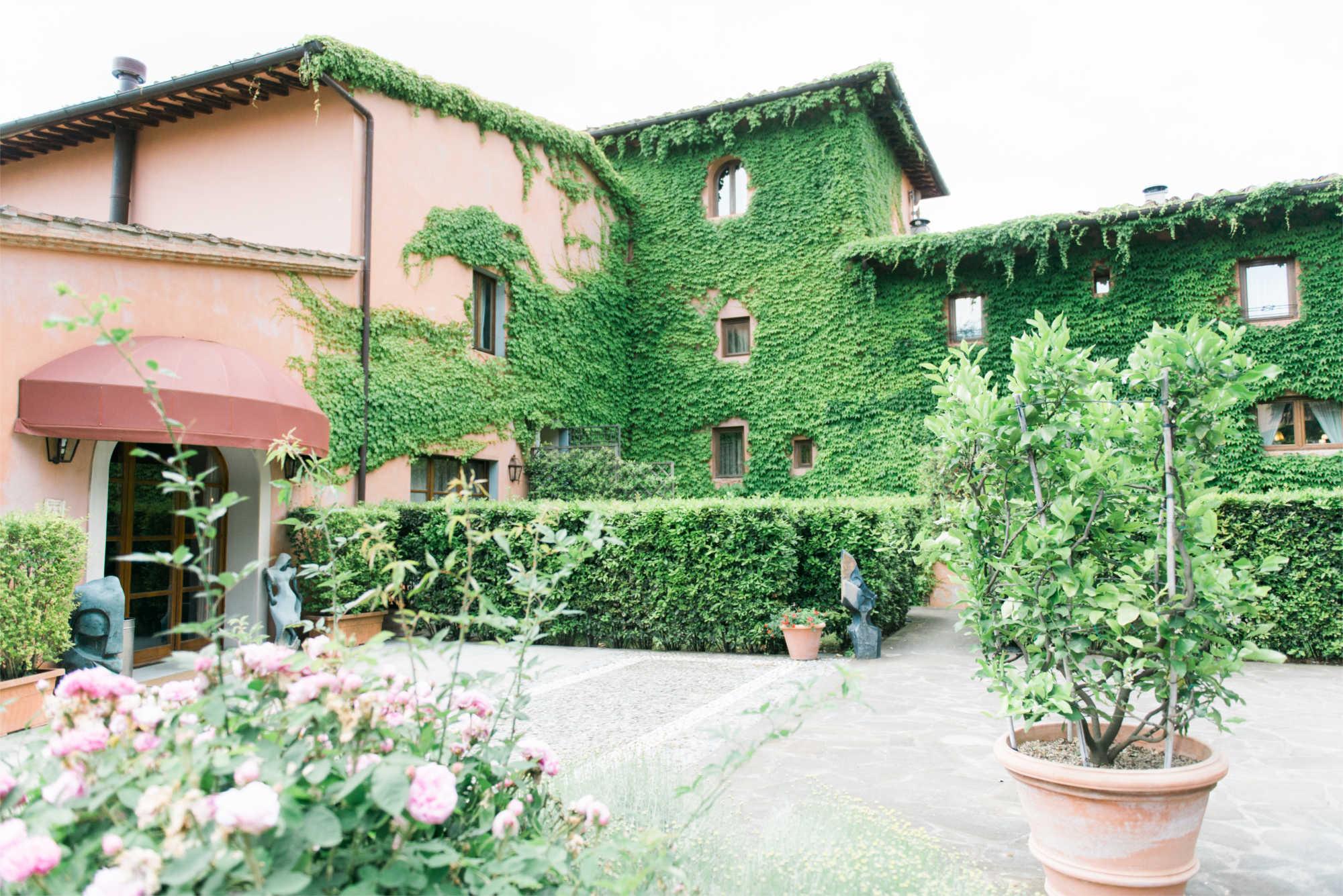 Mazzei-courtyard1